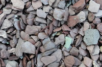 Plum Slate garden pebble